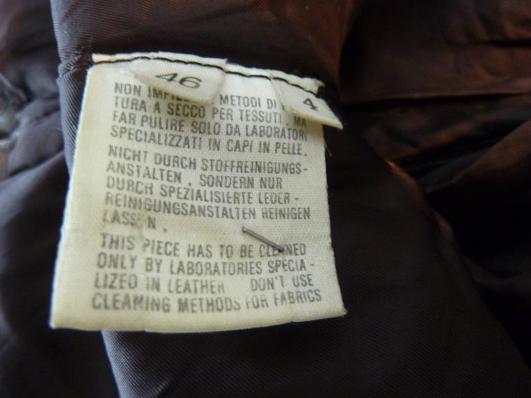 Gianfranco Ferrè vintage 1980s women's brown leather motorcycle jacket size 46 For Sale 4