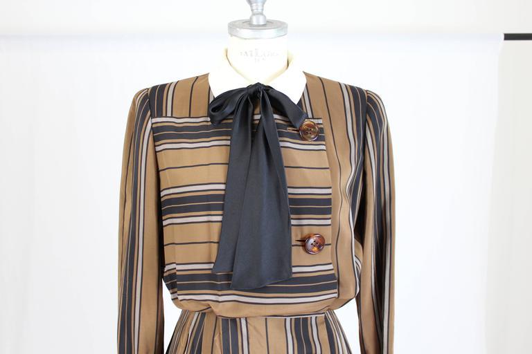1980s Salvatore Ferragamo Brown and Black Silk Empire Waist Dress In Excellent Condition For Sale In Brindisi, IT
