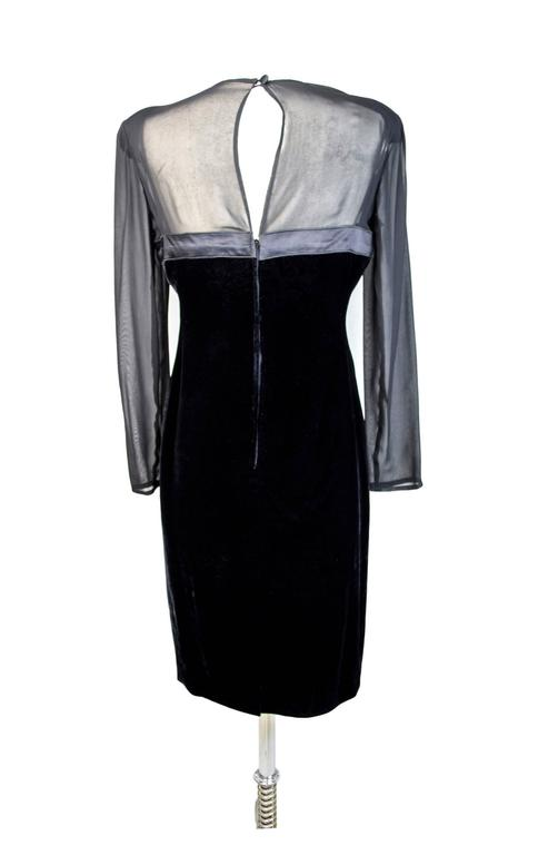 Valentino Sheat Black Silk Velvet Italian Dress, 1980 In Excellent Condition For Sale In Brindisi, IT