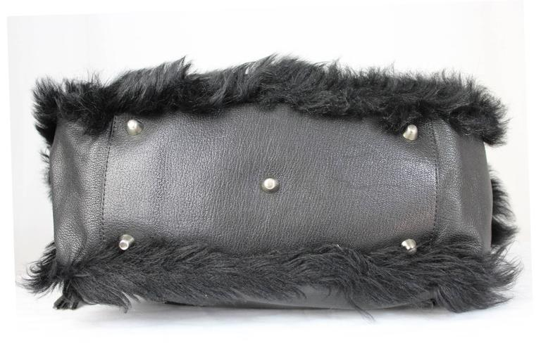 1990s Moschino Black Fur and Leather Hand Bag  For Sale 3