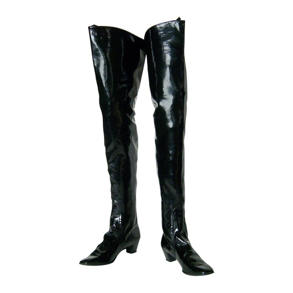 Black Vinyl Leg Shoe
