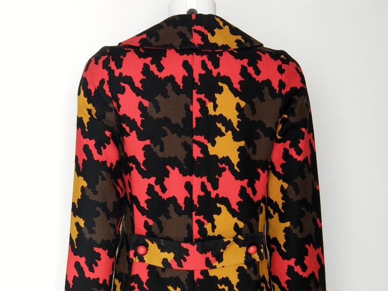 Op Art Houndstooth Coat For Sale 1