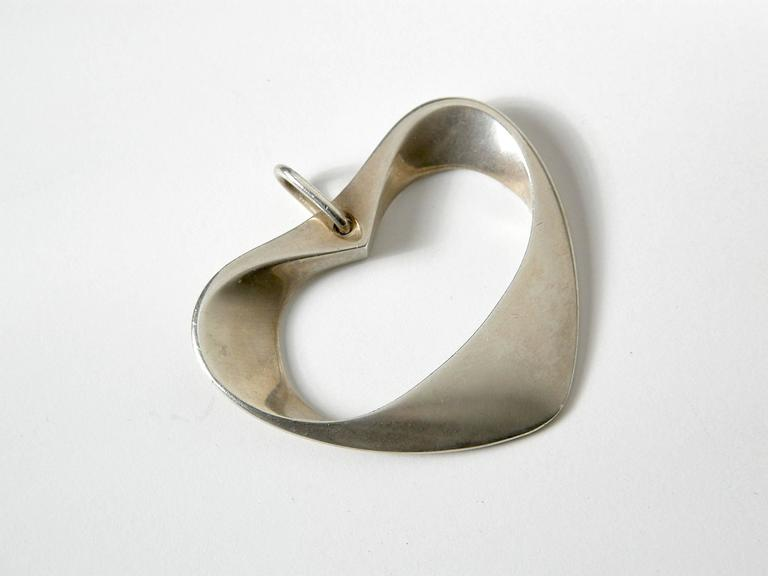 Henning Koppel for Georg Jensen Modernist Sterling Heart Pendant In Good Condition For Sale In Chicago, IL