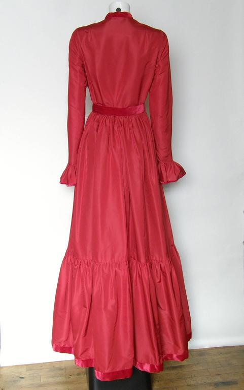 Red Silk Taffeta Oscar de la Renta Gown 6