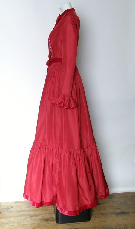 Red Silk Taffeta Oscar de la Renta Gown 4
