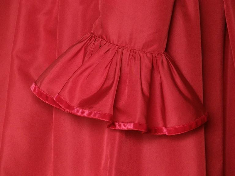 Red Silk Taffeta Oscar de la Renta Gown 5