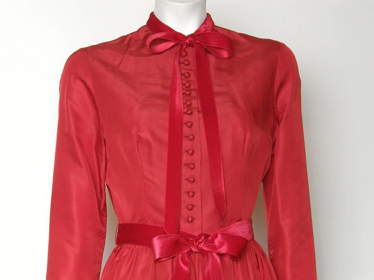 Red Silk Taffeta Oscar de la Renta Gown 3