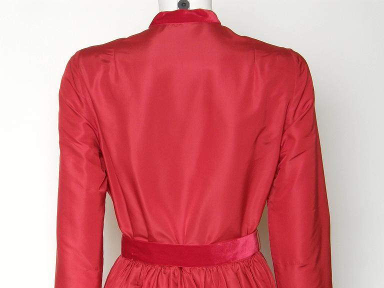 Red Silk Taffeta Oscar de la Renta Gown 7