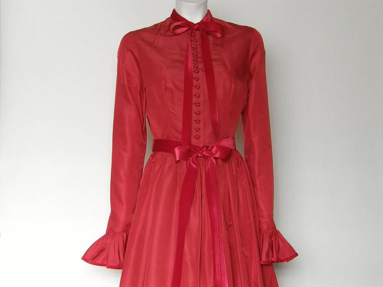Red Silk Taffeta Oscar de la Renta Gown 2