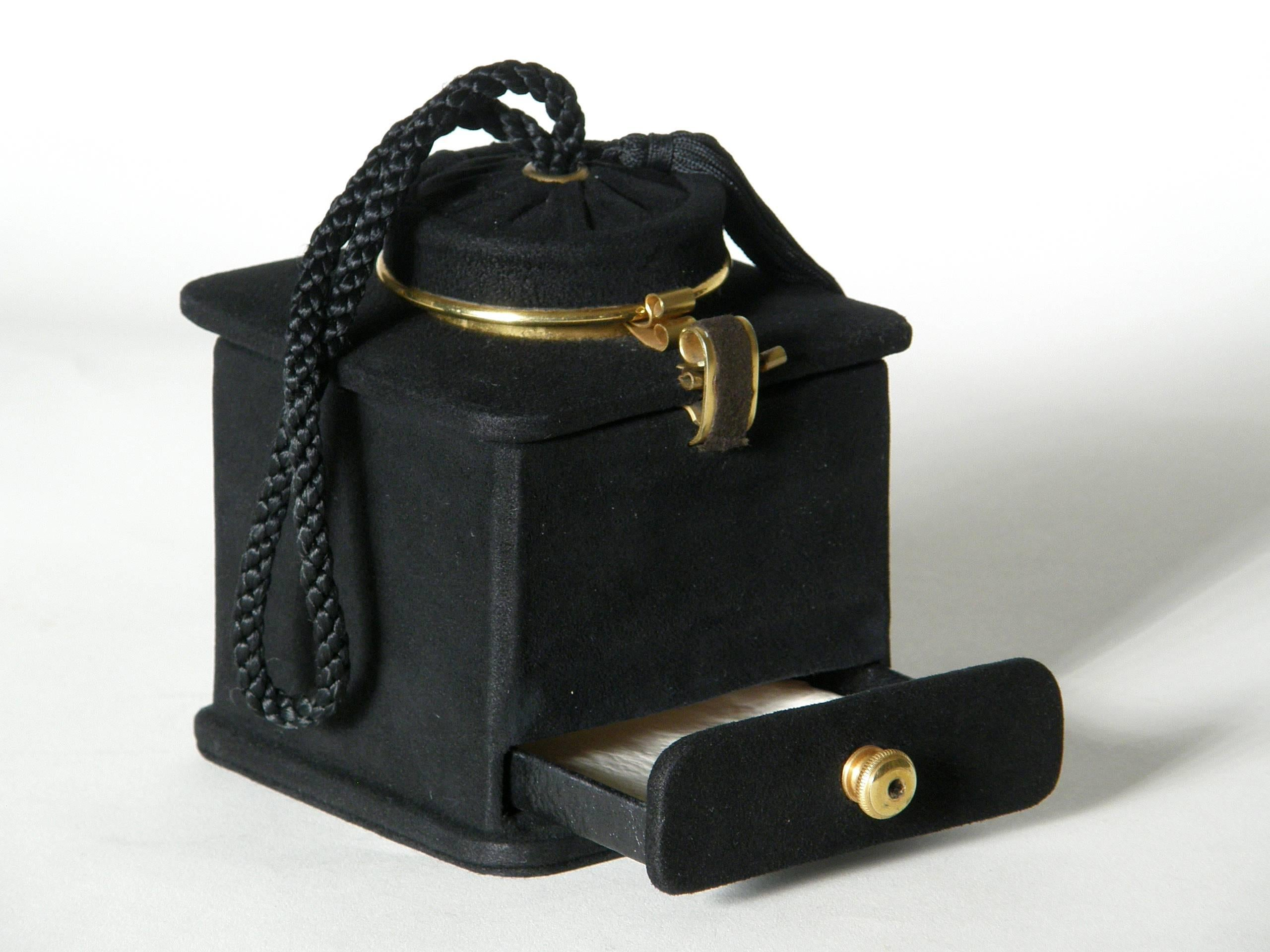 1stdibs Jeanne Bernard Of Paris Black Suede Coffee Grinder Shaped Handbag a9qfjOy1v