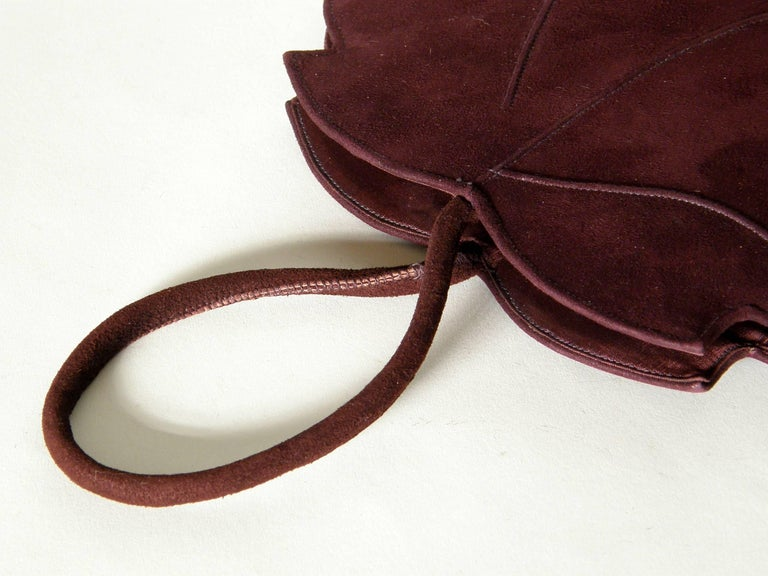 Leaf Shaped Handbag in Aubergine Colored Suede In Good Condition For Sale In Chicago, IL