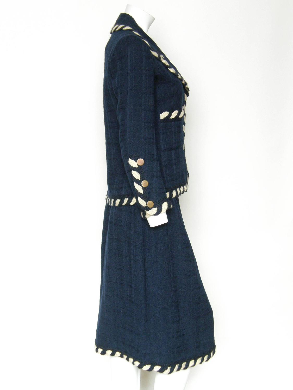 1960s chanel haute couture suit for sale at 1stdibs for Haute couture suits