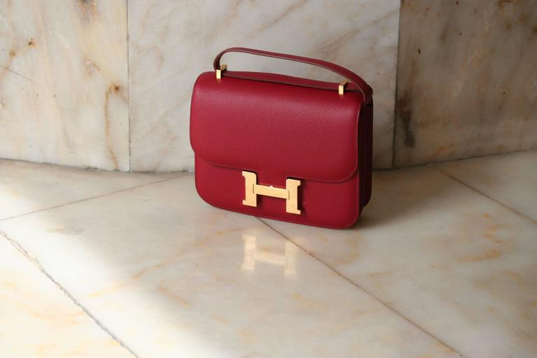 HERMES Constance Mini Epsom Rubis 18' In New never worn Condition For Sale In Monte Carlo, MC