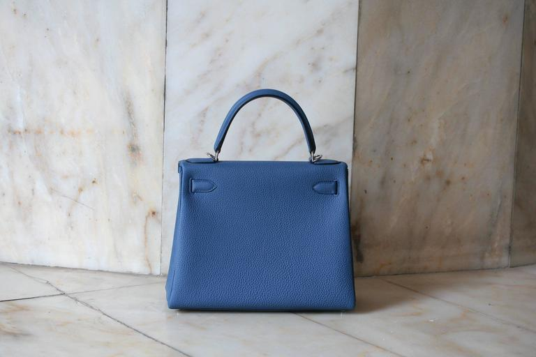 HERMES Kelly Togo 28' Bleu Agathe In Fair Condition For Sale In Monte Carlo, MC