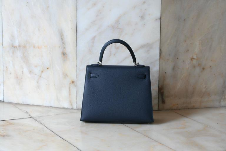 Black HERMES Kelly Sellier epsom 25' Bleu Indigo For Sale