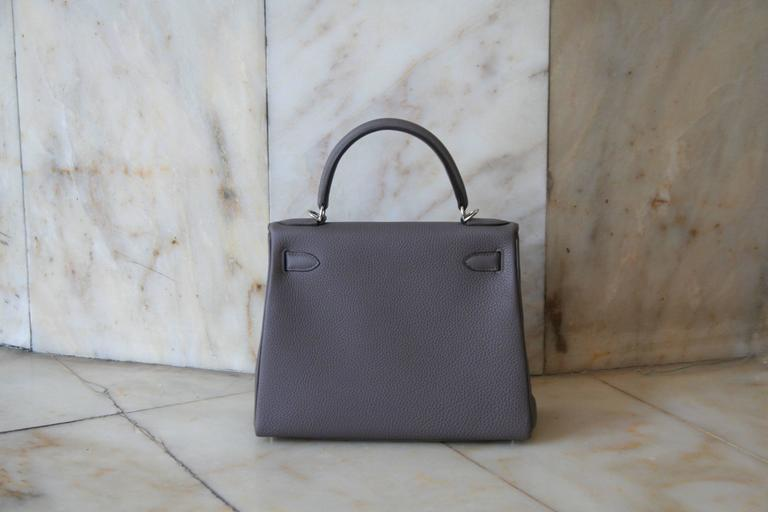 HERMES Kelly Togo 28' Etain In New Never_worn Condition For Sale In Monte Carlo, MC