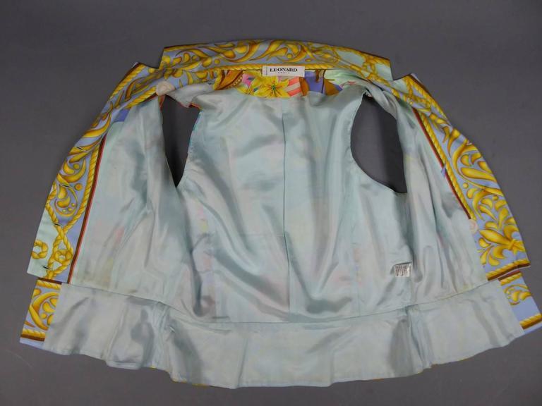 Léonard marine motif Sleeveless Silk Top with Gold Pearl Buttons, c 1980s For Sale 1
