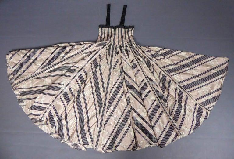 Gray Rochas silk skirt - Circa 2000 For Sale