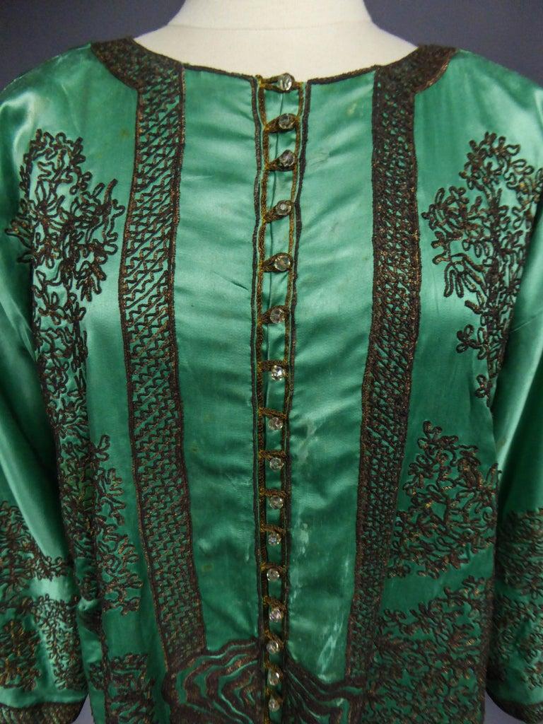 Women's or Men's Babani Couture Kaftan or Party Kimono in green satin with appliqué, circa 1915 For Sale