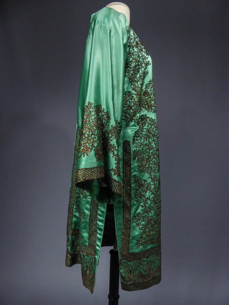 Babani Couture Kaftan or Party Kimono in green satin with appliqué, circa 1915 For Sale 4