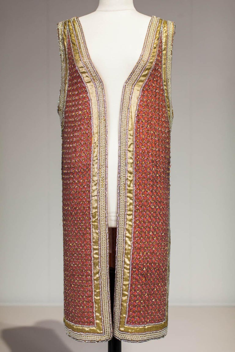 A Paul Poiret (attributed to) Embroidered Kaftan and Purse - Circa 1915/1925 For Sale 3