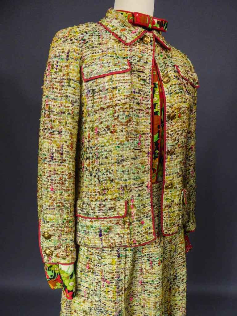 A numbered Haute Couture Chanel Skirt and Blouse Suit Circa 1968/1971 For Sale 4
