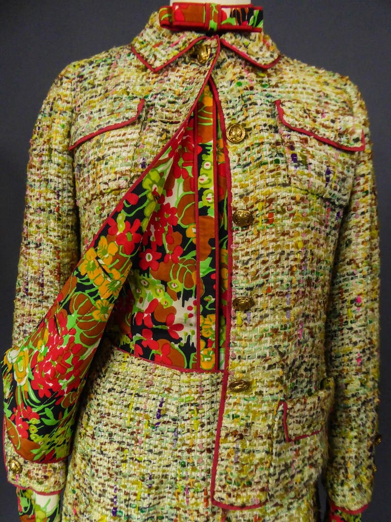A numbered Haute Couture Chanel Skirt and Blouse Suit Circa 1968/1971 For Sale 9