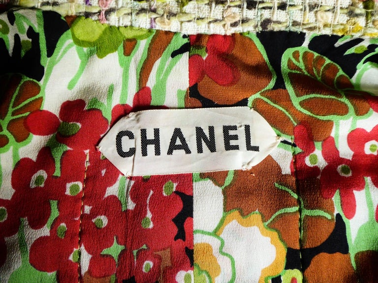 A numbered Haute Couture Chanel Skirt and Blouse Suit Circa 1968/1971 For Sale 10