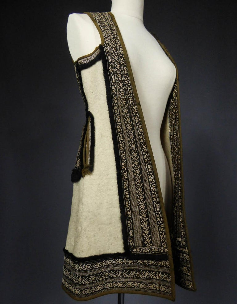 Wool jacket embroidered - Macedonia early 20th century In Excellent Condition For Sale In Toulon, FR