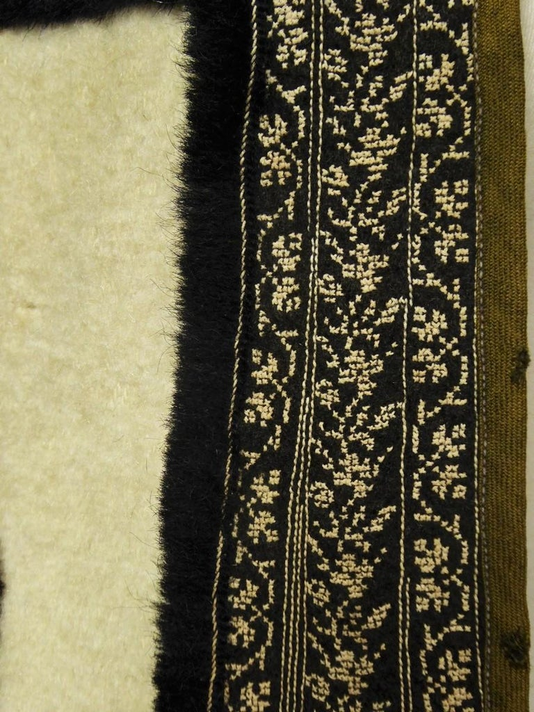 Wool jacket embroidered - Macedonia early 20th century For Sale 1