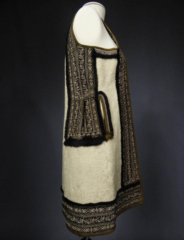 Wool jacket embroidered - Macedonia early 20th century For Sale 2