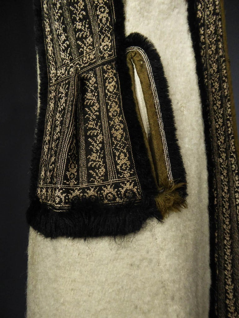 Wool jacket embroidered - Macedonia early 20th century For Sale 3