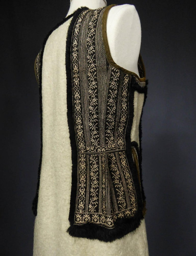 Wool jacket embroidered - Macedonia early 20th century For Sale 4