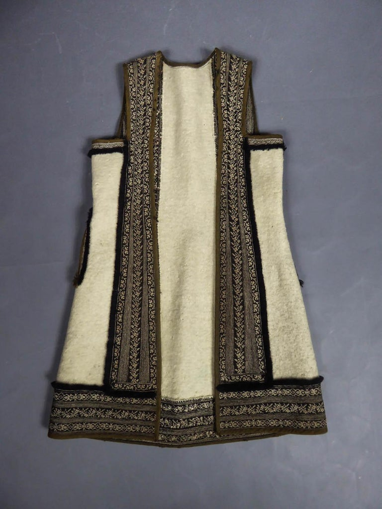 Wool jacket embroidered - Macedonia early 20th century For Sale 8