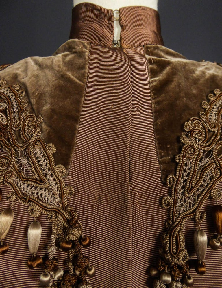 French Evening Cape with Trimmings Emile Pingat style 1890 - 1905 In Excellent Condition For Sale In Toulon, FR