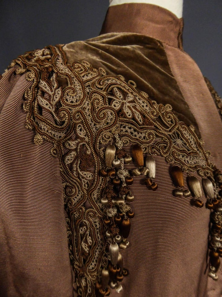 French Evening Cape with Trimmings Emile Pingat style 1890 - 1905 For Sale 4