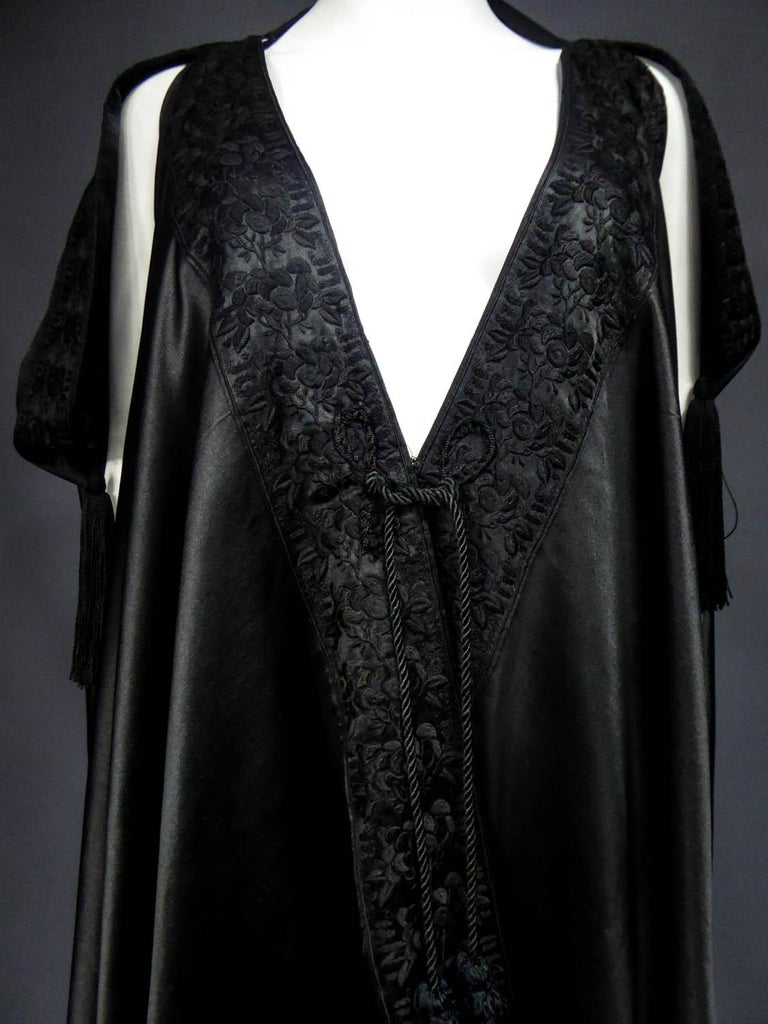 Liberty and Co Djellaba Evening Cape Circa 1920 In Excellent Condition For Sale In Toulon, FR