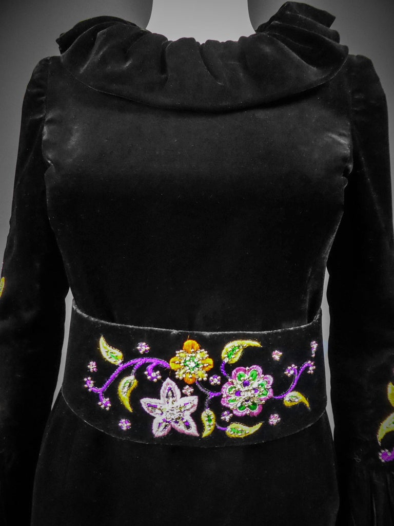 Jean-Louis Scherrer French Couture Black Velvet Dress Circa 1990 For Sale 9
