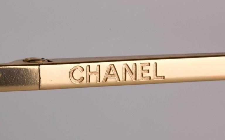 Chanel vintage sunglasses mod 4122-B  In Good Condition For Sale In Rome, IT