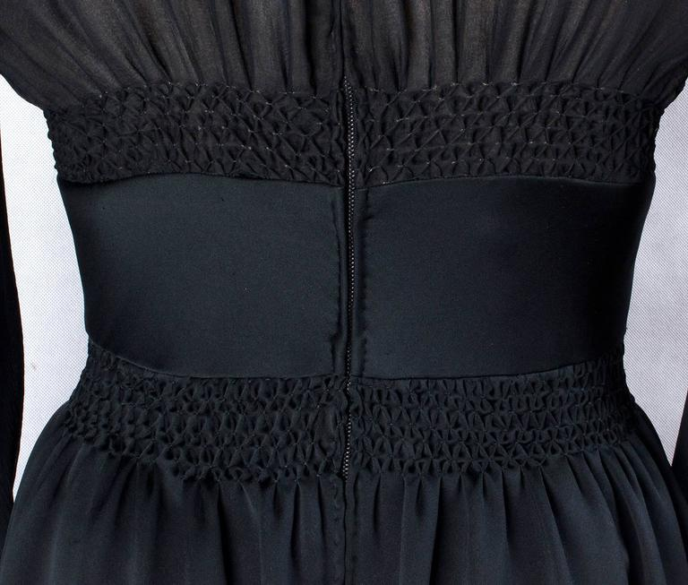 1970s Valentino Haute Couture vintage silk black dress In Good Condition For Sale In Rome, IT