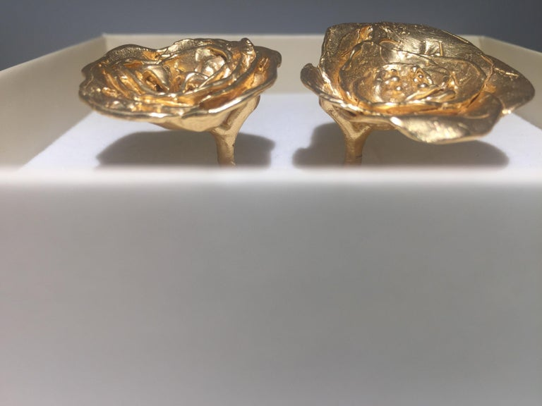Giulia Barela 24 karat Cameliae Ring, gold plated bronze In New Condition For Sale In Rome, IT