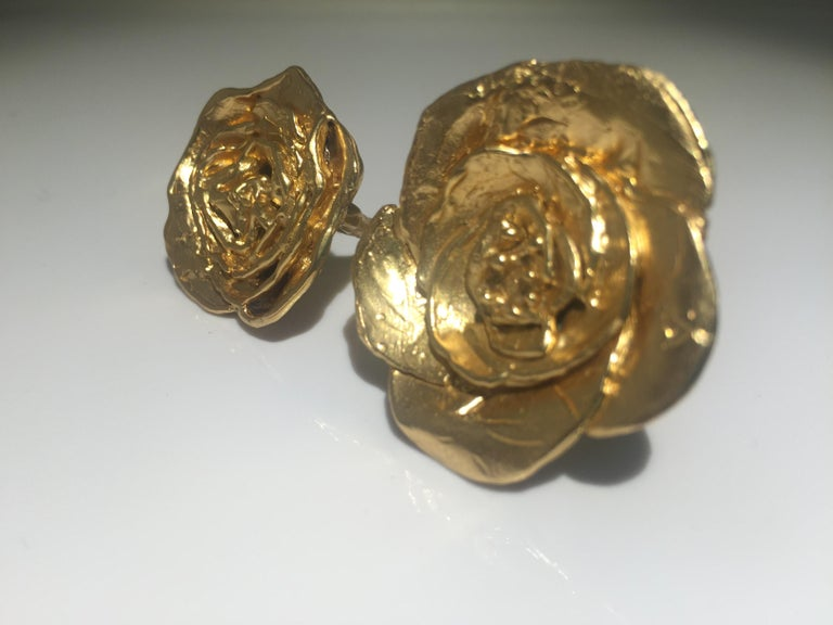 Giulia Barela 24 karat Cameliae Ring, gold plated bronze For Sale 2