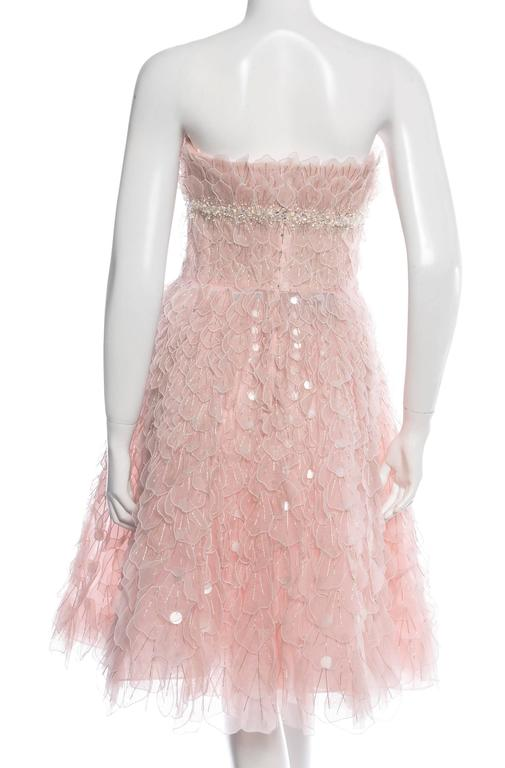 Oscar de la Renta is Unsurpassed in the Label's Elegant, Breathtaking Designs. Pale Pink Bead-embellished Petals Appliques Hand Beaded Trim Under the Bust Boned Corset with a Bra Cups Tulle and Crinoline Underlining Rear Zip, Hook &