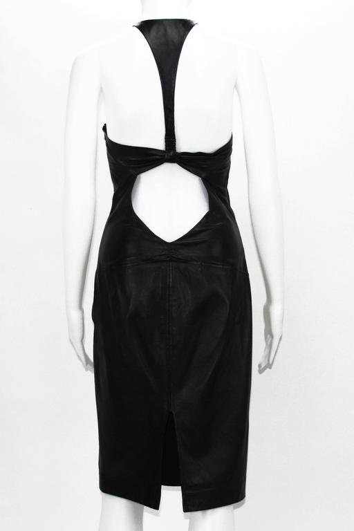 Tom Ford for Gucci 2004 Collection Black Leather Cocktail Dress It. 44 - US 8 In Excellent Condition For Sale In Montgomery, TX