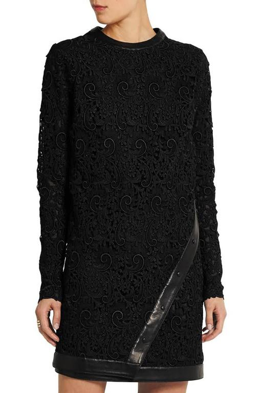New Tom Ford Leather-Trimmed Guipure Lace Mini Black Dress 36 - US 6 In New never worn Condition For Sale In Montgomery, TX