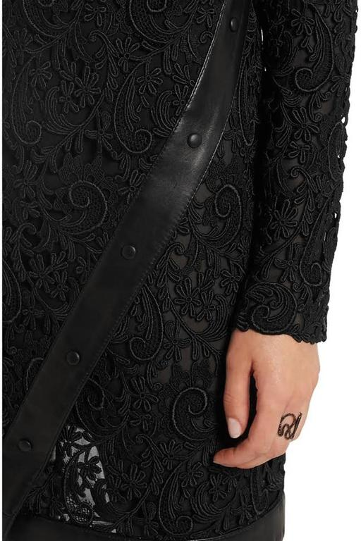 New Tom Ford Leather-Trimmed Guipure Lace Mini Black Dress 36 - US 6 For Sale 1