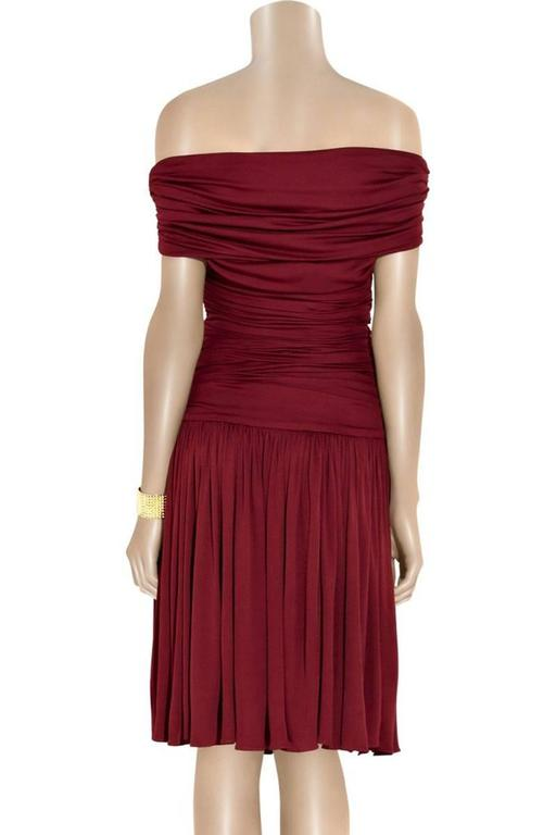 New GIAMBATTISTA VALLI Stretch Satin Off-the-Shoulder Dress Burgundy  In New Condition For Sale In Montgomery, TX