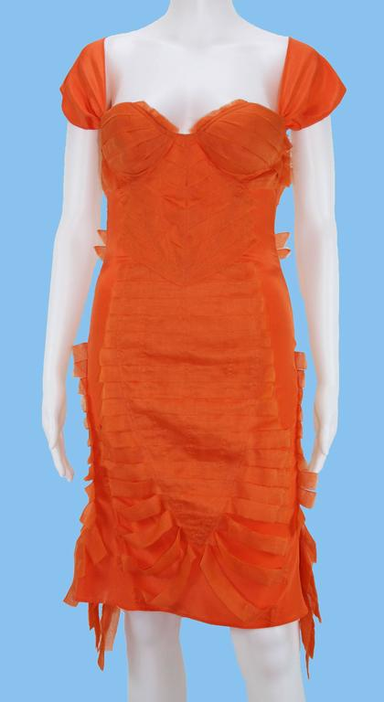 390f32d3392 Women s Tom Ford for Gucci S S 2004 Collection Silk Orange Cocktail Stretch  Dress It