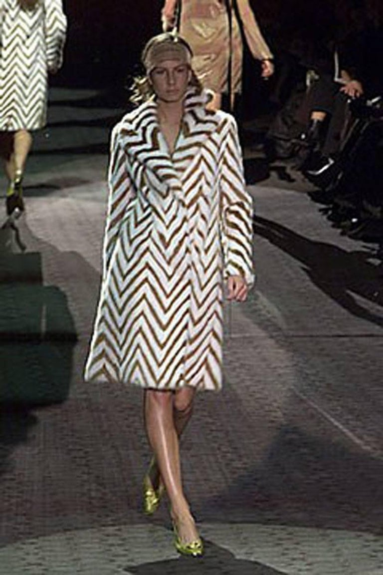 Museum in Italy F/W 2000 Tom Ford for Gucci Mink Chevron Pattern Coat It size 38 4
