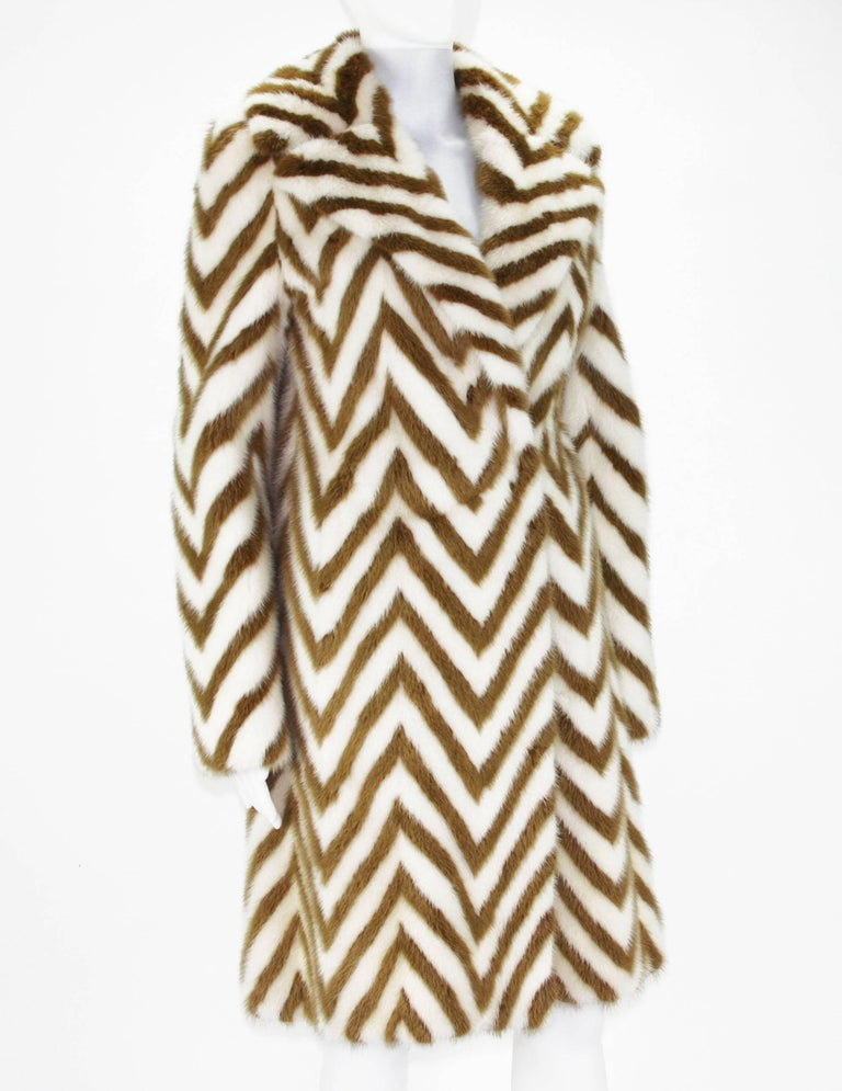 Museum in Italy F/W 2000 Tom Ford for Gucci Mink Chevron Pattern Coat It size 38 5